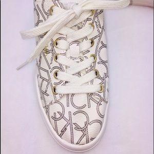 EUC Calvin Klein Sneakers